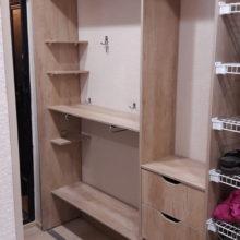 Шкаф купе в прихожую внутреннее наполнение из лдсп с ящиками