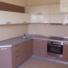 угловая кухня 9 кв м 8