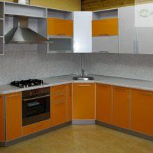 угловая кухня 9 кв м 9