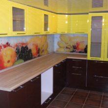 угловая кухня 9 кв м 17