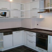 угловая кухня 9 кв м 13