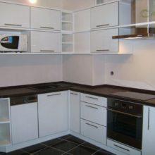 угловая кухня для маленькой кухни фото 4
