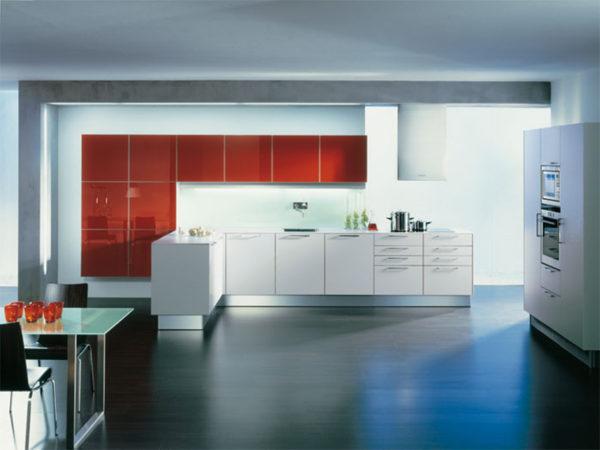 Кухня Egger в рамке алюминиевой - Вариант № 4