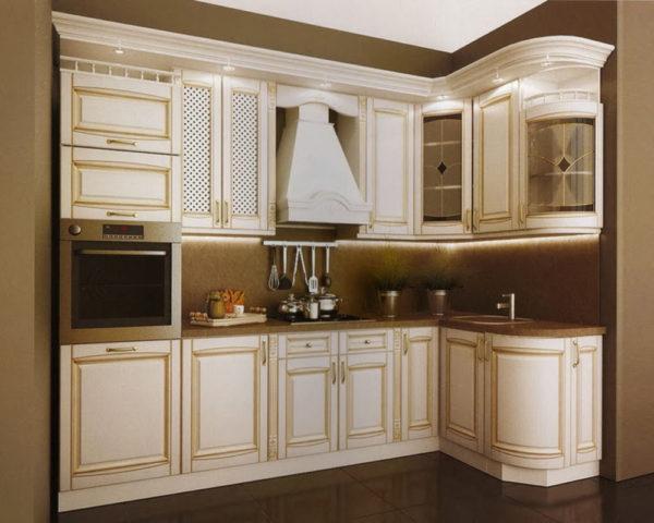 Кухня угловая, цвет - белый, патина слоновая кость — Вариант № 18