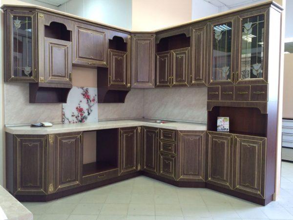 Кухня угловая, цвет - ясень теный патина золото — Вариант № 20