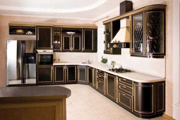 Кухня классическая угловая, цвет - черный патина золото — Вариант № 30