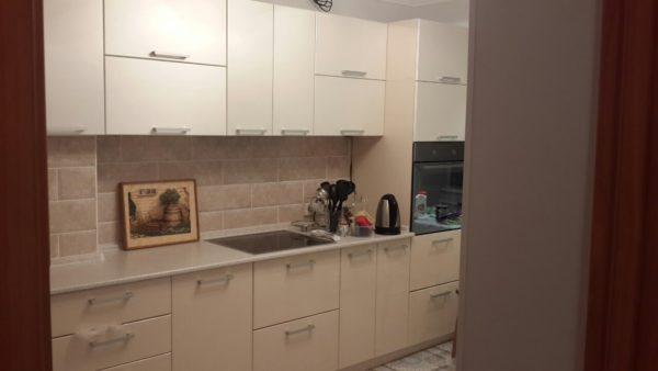 Кухня с пленкой пвх, цвет, крем - Вариант № 18