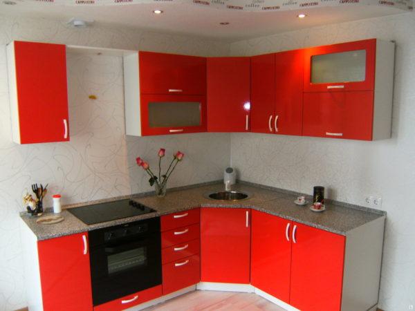 Кухня с пленкой пвх, угловая, цвет, красный — Вариант № 19