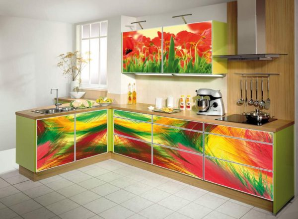 Кухня с фотопечатью на фасаде — Вариант № 18