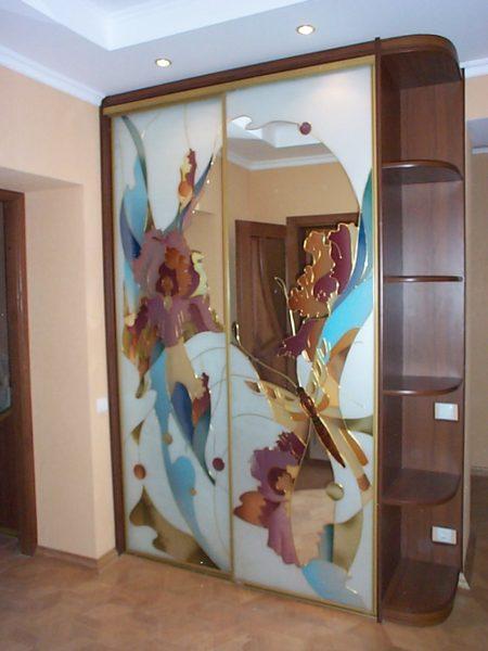 Шкаф-купе с Витражами на зеркале - Вариант № 18
