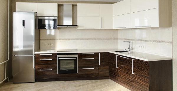 Кухня глянцевая, шпон и краска, цвет, эбен - Вариант № 1