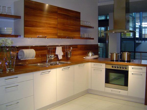 Кухня глянцевая, шпон и эмаль — Вариант № 15