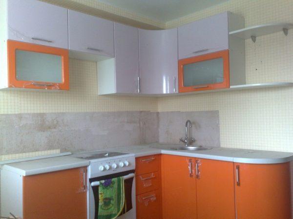 Кухня с пленкой пвх, цвет, лиловый и манго — Вариант № 23