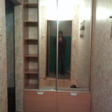 Шкаф-купе с зеркалом в нишу