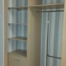 Шкаф купе в детскую комнату внутреннее расположение полок и ящиков с компьютерным столом
