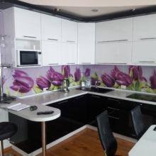 Кухонный гарнитур угловой краска, белая с черным