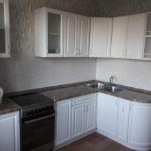 Кухня классика угловая с гнутыми дверцами