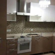Кухня угловая акриловая белая